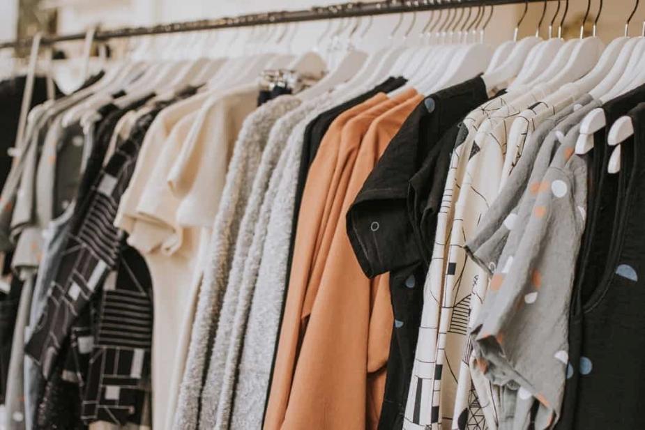 como vender roupas pela internet